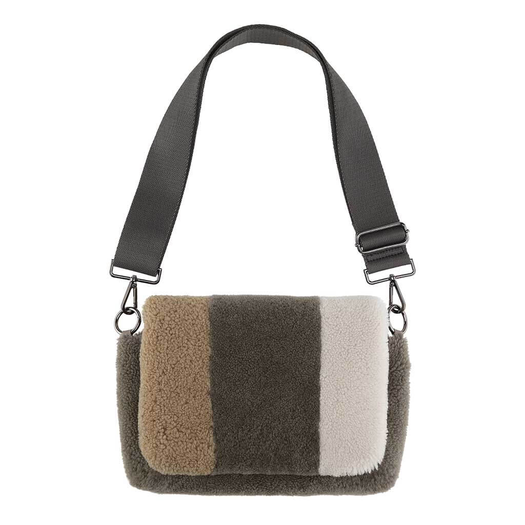 cosy-concept-fur-lamb-sofia-camelmudoffwhite-2800-dkk_1